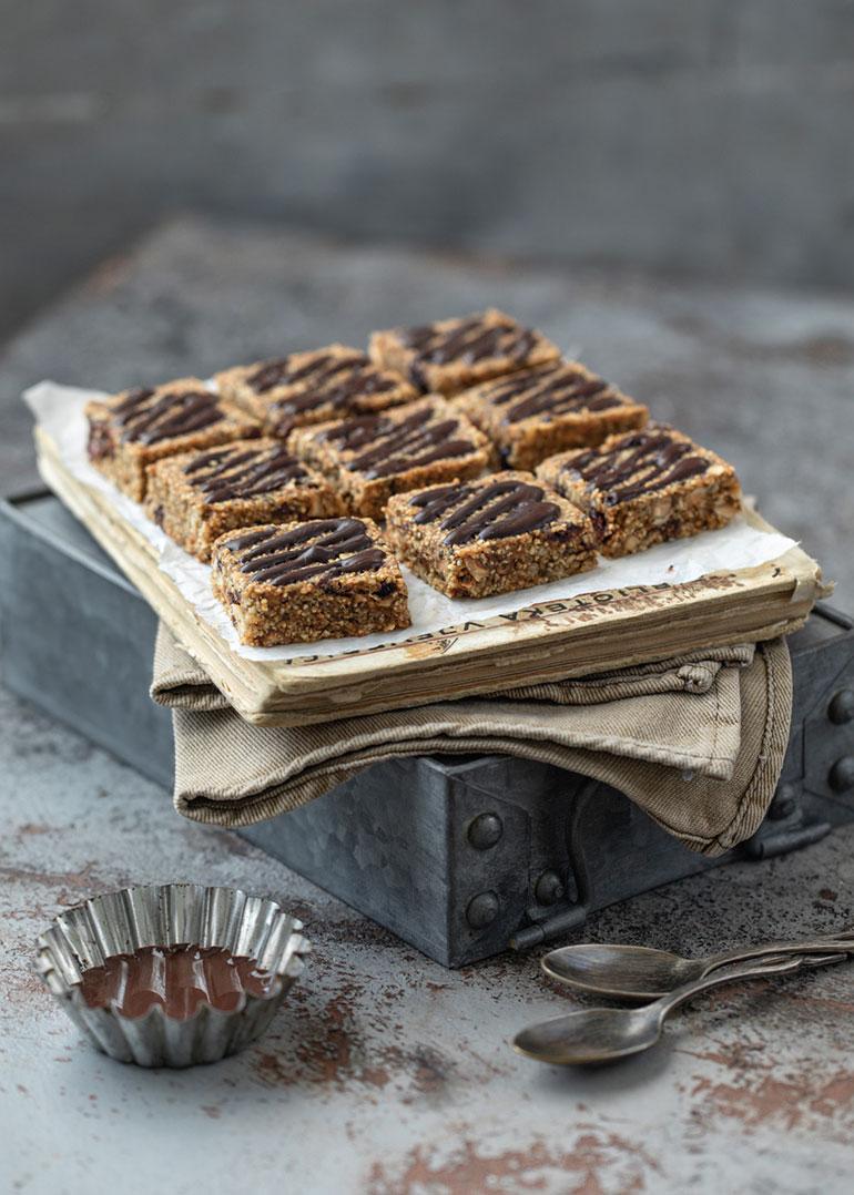 Hazelnut Granola Breakfast Bars